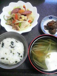ソーセージの野菜炒め