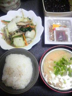 野菜とひき肉の炒めもの