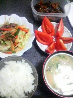牛肉と野菜のキムチ炒め