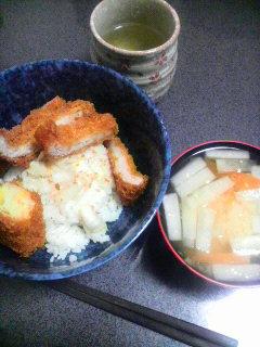 豚カツ&コーンクリームコロッケ丼