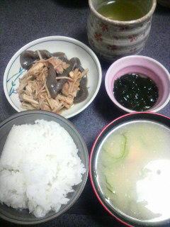 コンニャクとエノキのピリ辛炒め