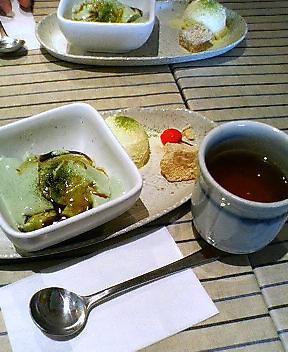 抹茶豆乳プリンほうじ茶つき